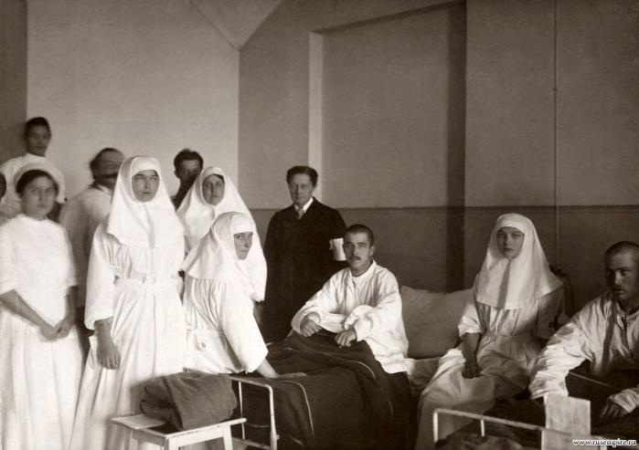 Императорская семья (восстановленные фотографии)